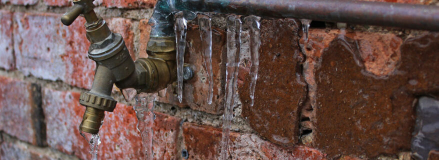 Frozen Pipe with Icicles, Unclog it plumbing, Vancouver BC